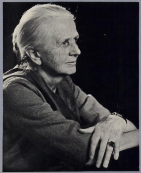 Joan-Robinson-What-Are-The-Questions-And-Other-Essays