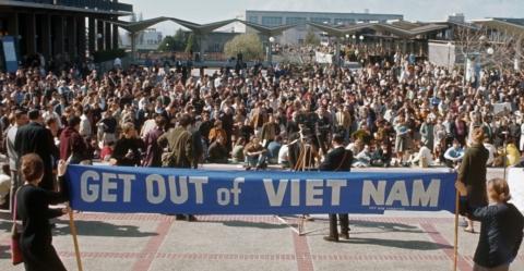 womens-march-against-vietnam-war-P